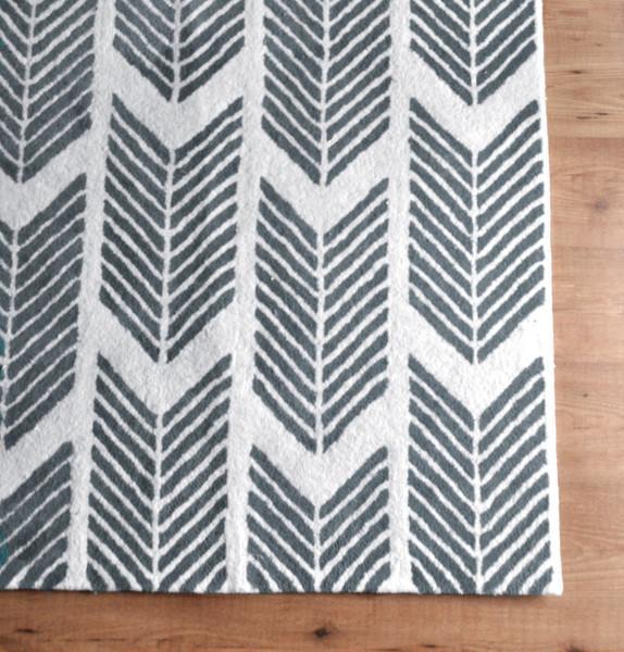 grey arrows rug. Black Bedroom Furniture Sets. Home Design Ideas