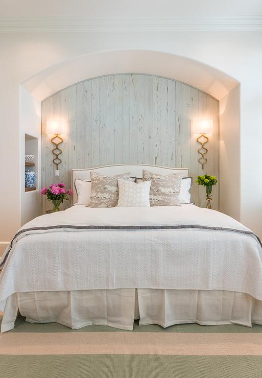 Arched Bed Nook With Plank Backsplash Cottage Bedroom