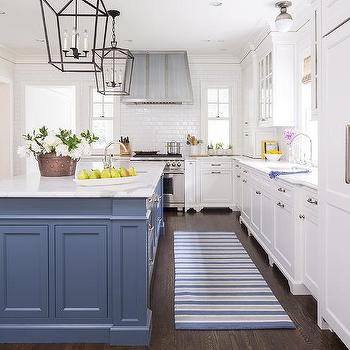 Paint gallery benjamin moore van deusen blue paint for Black white and blue kitchen ideas