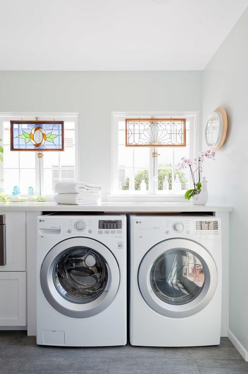 Bon Enclosed Washer And Dryer Below Windows