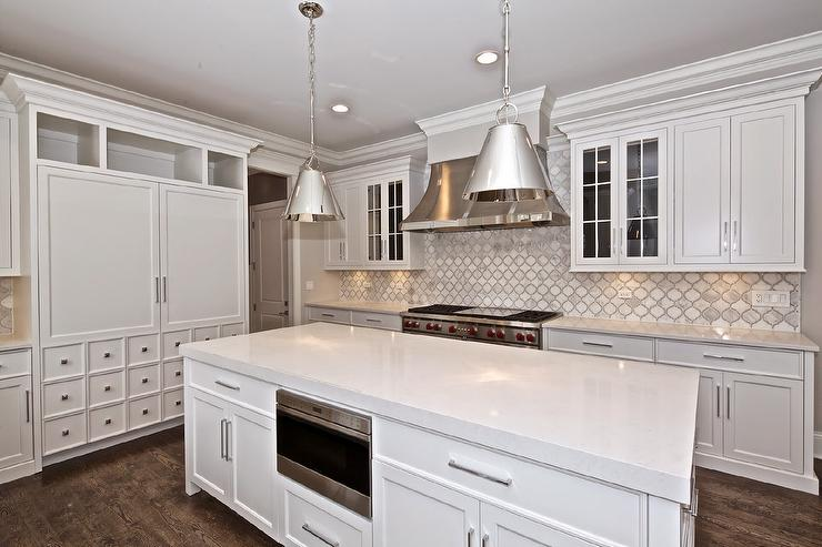 Delightful Grey And White Marble Arabesque Tile Kitchen Backsplash