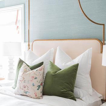 Moss Green Velvet Bed Pillows Design Ideas, Moss Green Velvet Bedding