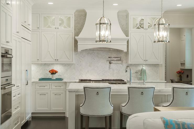 White Herringbone Backsplash with Off White Kitchen Cabinets ...
