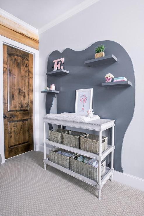 Charming Airin Spindle Changing Table