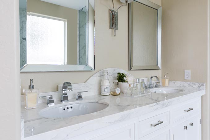 Curved Marble Washstand Backsplash