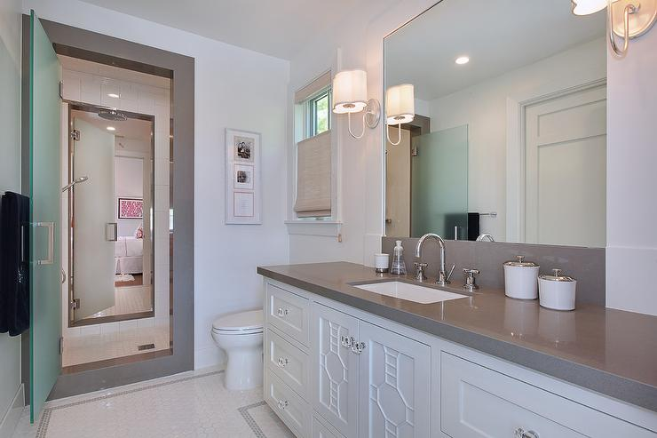 Jack and jill shower with frosted glass doors for Jack and jill bathroom vanity
