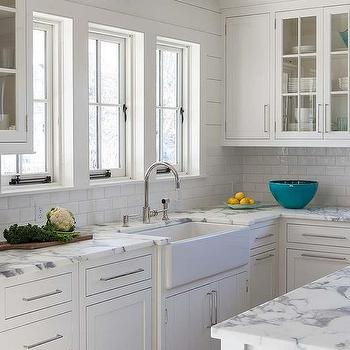 Genial Calcutta Gold Marble Kitchen Countertops With White Subway Tiles
