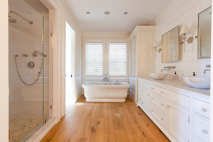 Cottage Bathroom With Sawn White Oak Wood Floors