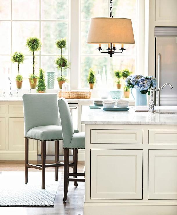 Bar Stools For White Kitchen: Nailhead Kitchen Island Stools Design Ideas