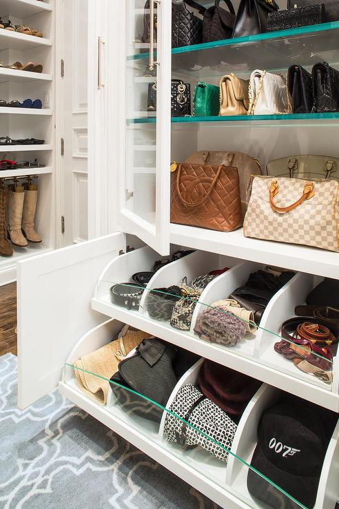 Merveilleux Closet With Pull Out Accessory Drawers
