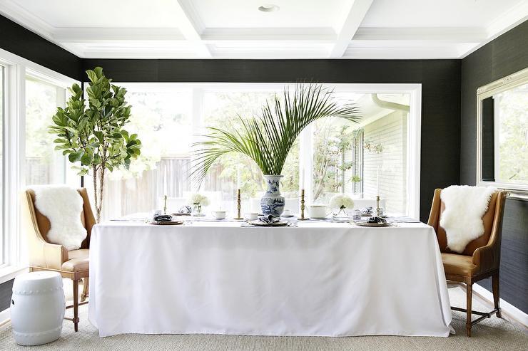 Gray Dining Room Walls Design Ideas