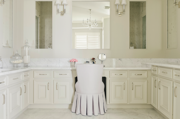 U Shaped Bathroom Vanity With Ivory Cabinets
