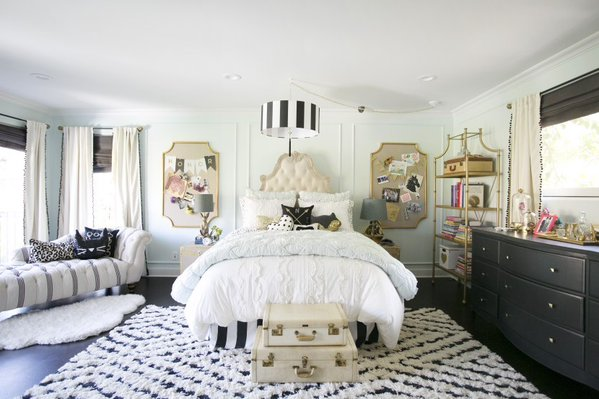 Girls Room With Gold Pin Boards