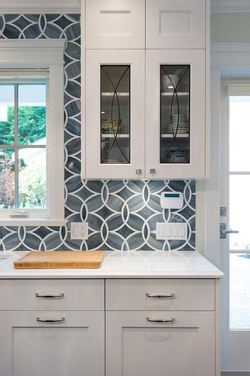 Herringbone backsplash benjamin moore 39 chelsea gray for Blue and white kitchen cabinets