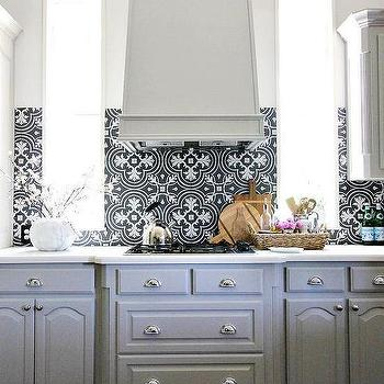 Black And White Mosaic Tile Kitchen Floor Design Ideas