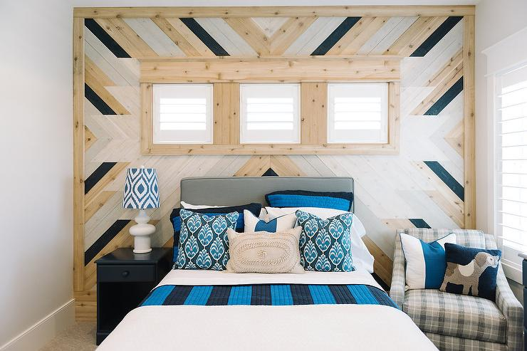 Awesome Cottage Boy Bedroom With Herringbone Plank Walls Cottage Download Free Architecture Designs Scobabritishbridgeorg