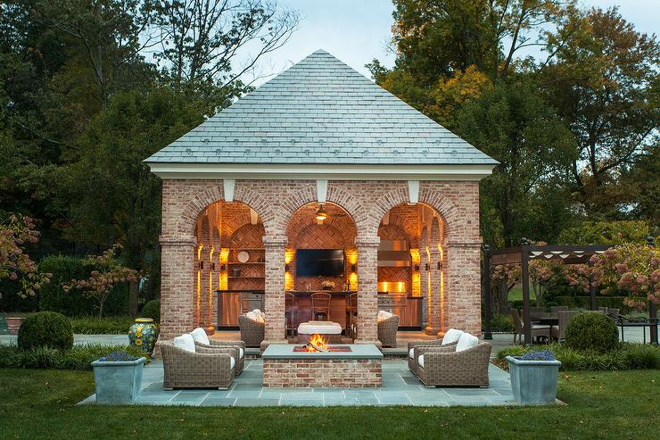Brick pool house with kitchen traditional deck patio for Pool house designs with outdoor kitchen