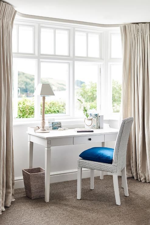 Bay Window Desk Traditional bedroom Summer House Style