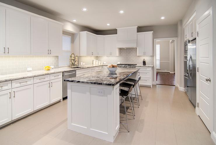 Black and white granite island countertop contemporary for Black kitchen cabinets with white marble countertops