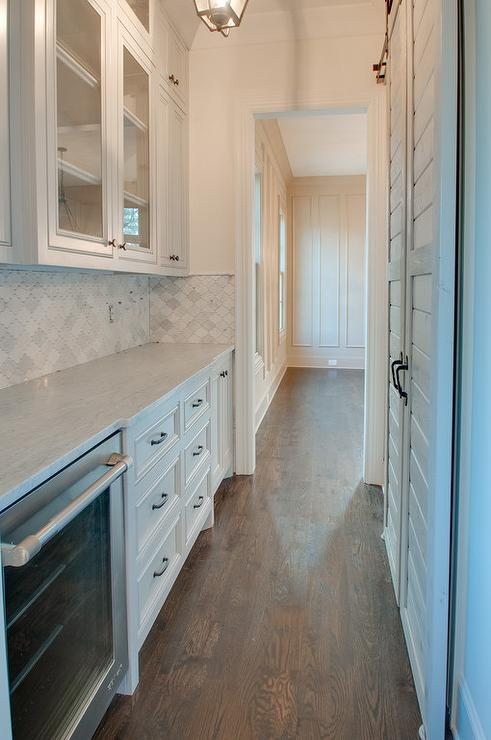 Galley Style Butler Pantry With Marble Arabesque Tiles