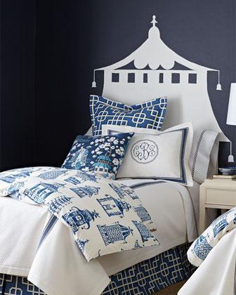 Blue Quatrefoil Print Elizabeth Quilt Set