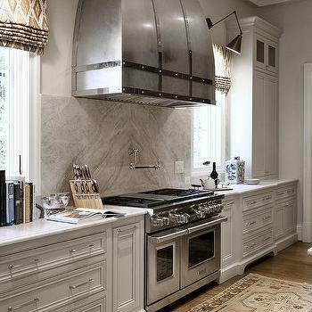 Stone Kitchen Backsplash With Stove