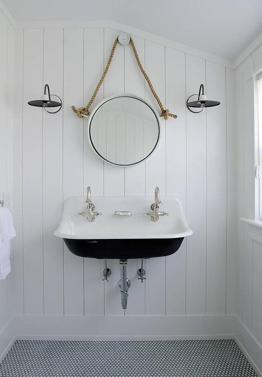 Delightful Black And White Cottage Bathroom With Rope Mirror