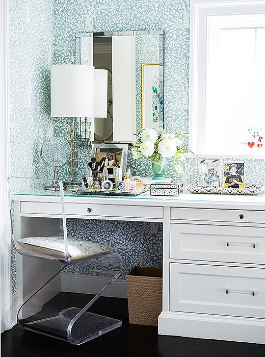 Glass Top Makeup Vanity With Acrylic Z Chair