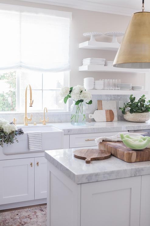 Облицовка кухнной мебели кварцем