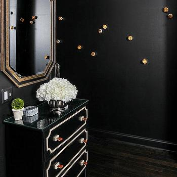 black and gold foyer with mirrored dresser contemporary entrance foyer. Black Bedroom Furniture Sets. Home Design Ideas