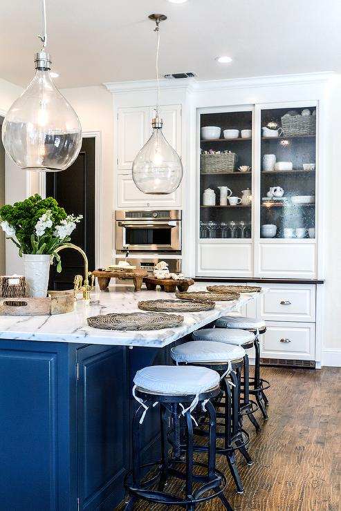 White Kitchen Cabinets Painted Benjamin Moore Mascarpone ...