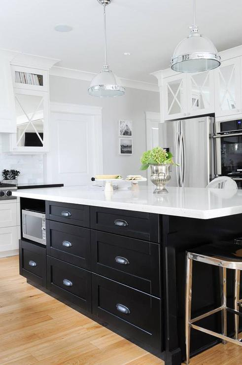 Etonnant Black KItchen Island With Black Cup Pull Hardware