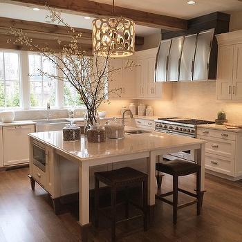 Interior design inspiration photos by Lobkovich Kitchen Designs.