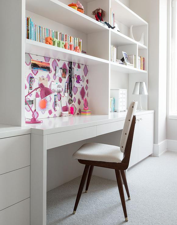 girl room with white lacquered built in desk with wallpapered pin rh decorpad com Desks for Small Rooms Small White Desks for Girls