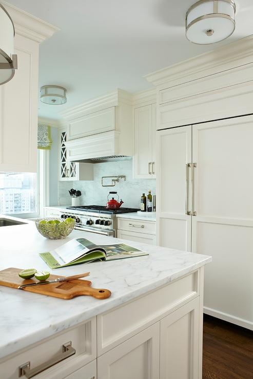 Off white kitchen cabinets crowdbuild for - Pictures of off white kitchen cabinets ...