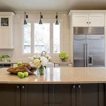 Kitchen Backsplash Goes Up To Ceiling Design Ideas
