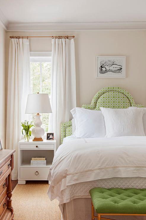 White and green bedroom with spring green tufted bench for White and green bedroom designs