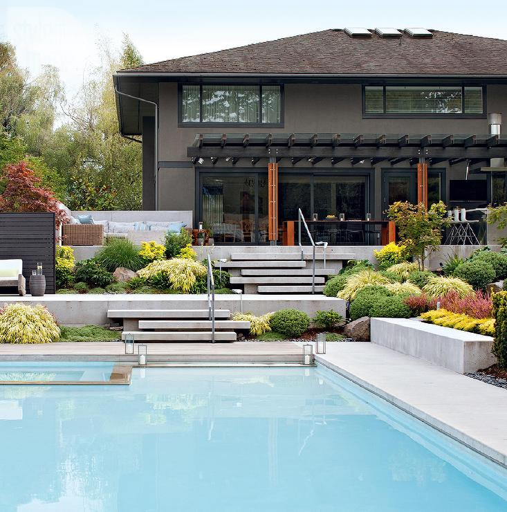 Staggered Concrete Patio Steps - Contemporary - Pool
