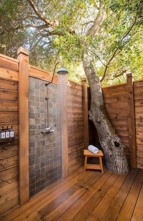 Outdoor shower with vintage gooseneck shower head for Beau jardin bath rocks