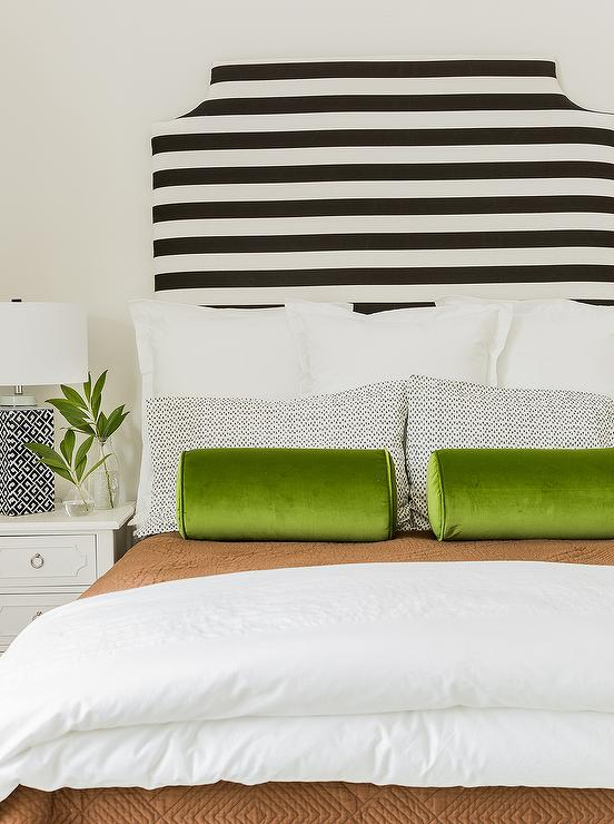Black Bed With Green Nightstand Design Ideas