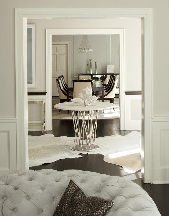 Round Entry Table Design Ideas