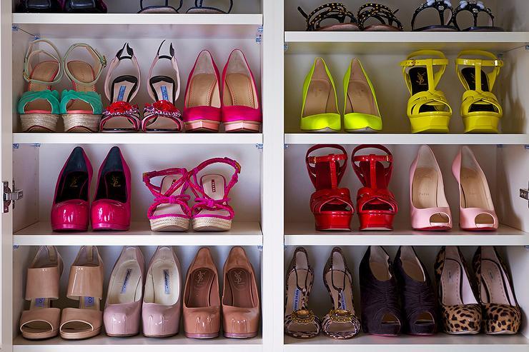 Charmant Glam Closet With Shoe Shelves