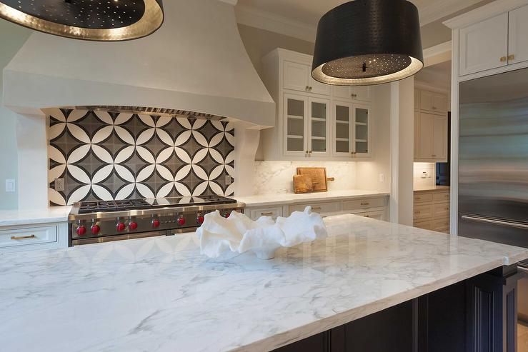 Black And White Circle KItchen Backsplash Tiles