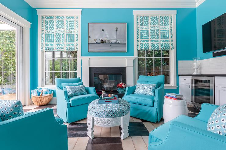 Turquoise Blue Pool House With Kitchenette Contemporary