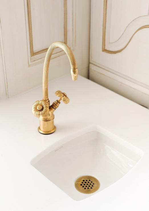 Luxury DECOOL Gold Bathroom Faucet Creative Curved Bathroom Faucet Brass Hot