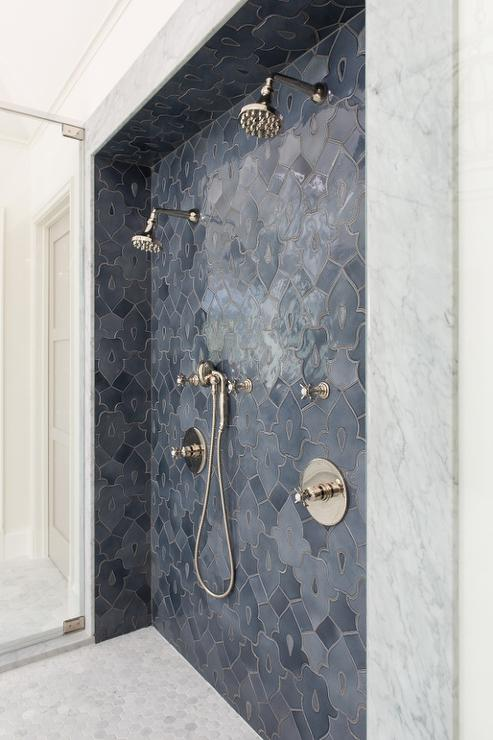 Shower With Accent Tiles Design Ideas