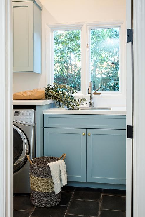 view more laundry mud rooms ?