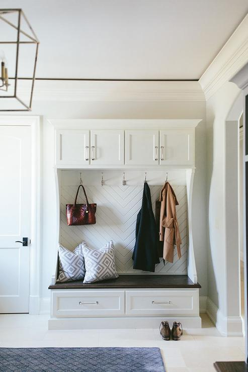 Foyer Built In Cabinets : Freestanding mudroom bench design ideas