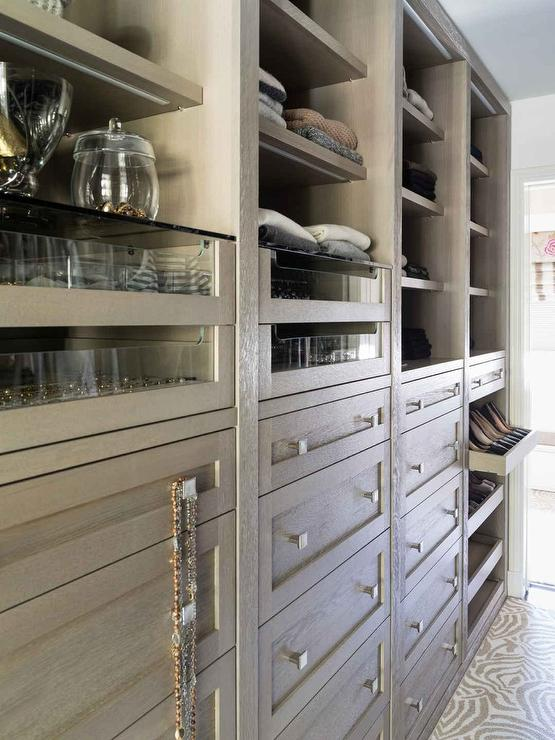 Pull Out Shoe Shelves Design Ideas