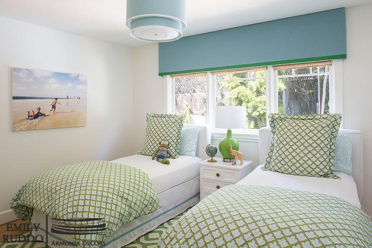 Blue and green girls bedroom with blue cornice box for Blue and green girls bedroom ideas